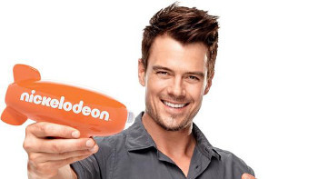 Josh Duhamel hosted the 2013 KCAs