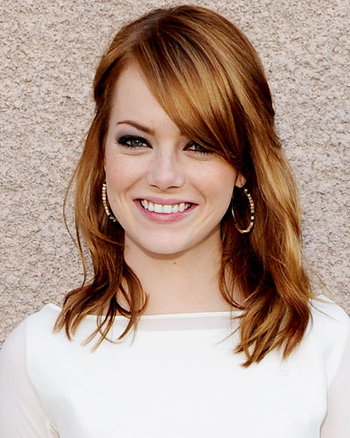 Emma Stone's hair looks super healthy!