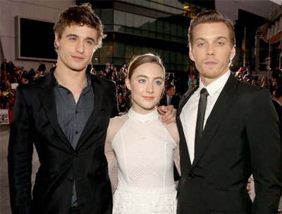 Max Irons, Saoirse and Jake Abel at a premiere
