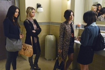 Aria, Hanna and Emily Confront Mona