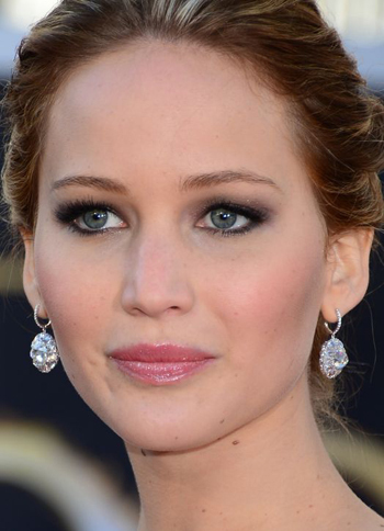 Jennifer Lawrence's fresh-faced glow