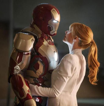 Pepper and Iron Man get friendly