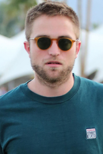 Robert Pattinson's low maintenace look