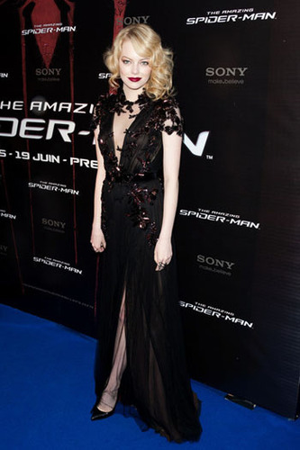 Emma Stone does perfect gothic glamour for the red carpet