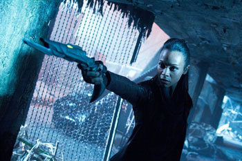 Zoe Saldana in action in Star Trek Into Darkness
