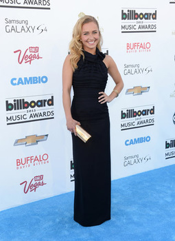 Hayden Panettiere looks super elegant in a simple black gown