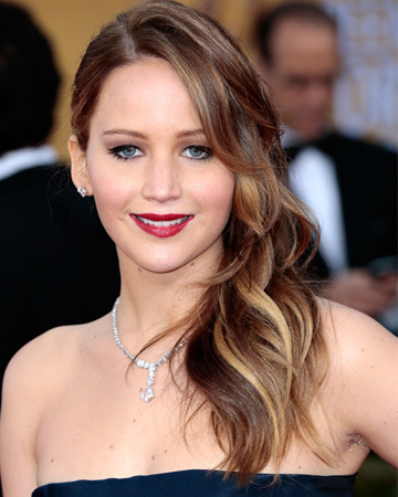 Jennifer Lawrence's Hollywood hair is an easy way to go glam