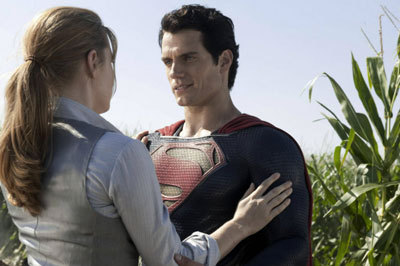 Lois Lane (Amy Adams) and Superman (Henry Cavill) get friendly