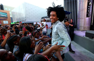 Princeton flippin' the hair for fans