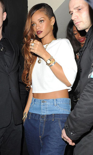 We love Rihanna's slouchy casual crop top