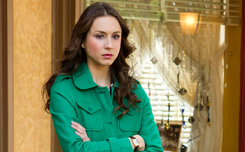 Spencer and Toby look for Mrs. Grunwald in Ravenswood