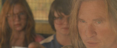 Val Kilmer as the weird sheriff frightens the tweens