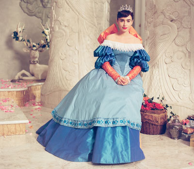 Lily as Snow White in Mirror Mirror