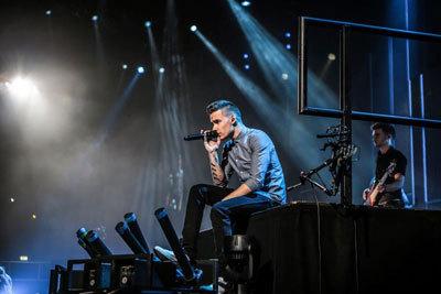 Liam Payne performing