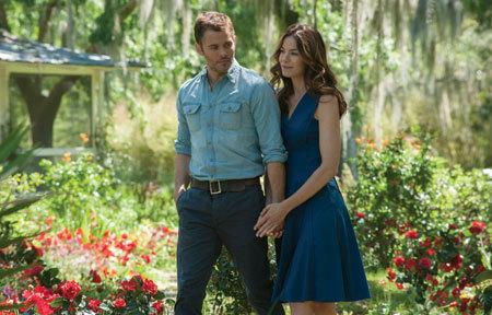 Adult Dawson (James Marsden) and Amanda rekindle their love