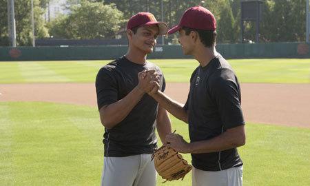 Dinesh Patel (Madhur Mittal) and Rinku Singh (Suraj Sharma) on the field