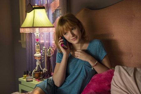Celia (Bella Thorne) talks with boyfriend Anthony