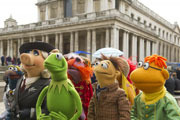 Kermit and Miss Piggy Are Muppets Most Wanted