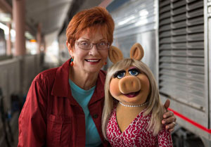Your reporter with Miss Piggy on set