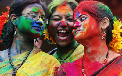 Women in Calcutta celebrating Holi