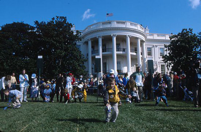 Kids rolling eggs at The White House