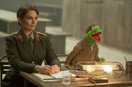 Prison Warden Nadya and prisoner Kermit