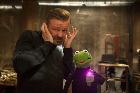 Dominic Badguy (Ricky Gervais) and Constantine ready to steal jewels