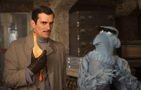 Inspector Napoleon (Ty Burrell) and Sam Eagle try to solve the case