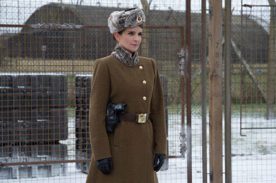 Nadya (Tina Fey) the Russian prison guard