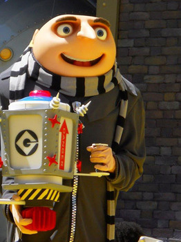 Gru with his super ribbon cutter invention