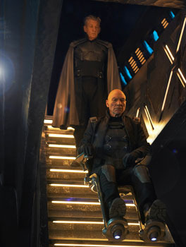 Older Magneto and Xavier defend X-Men