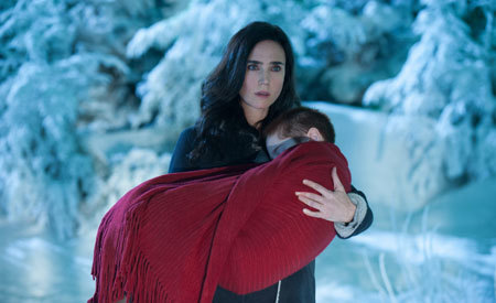 Virginia (Jennifer Connelly) with her sick daughter Abby