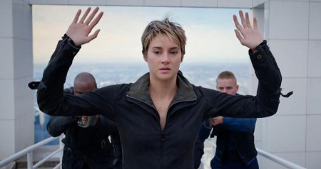 Tris is captured by Erudite forces