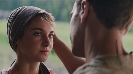 Tris (Shailene Woodley) with Four/Tobias (Theo James)