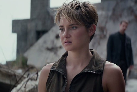 Tris (Shailene Woodley) fears the future