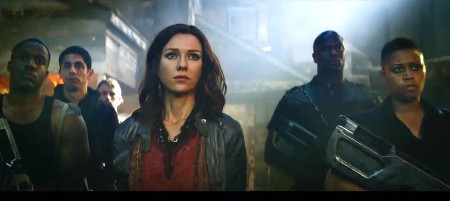 Evelyn (Naomi Watts) leads her people