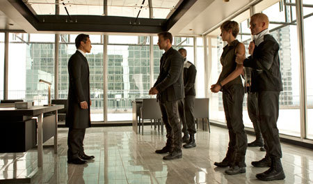 Kang (Daniel Dae Kim) confronts Four and Tris
