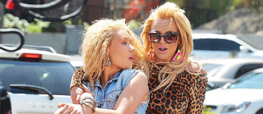 Iggy Azalea and Britney Spears are Pretty Girls