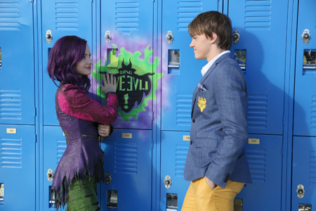 Ben gets his flirt on with Mal (Dove Cameron)