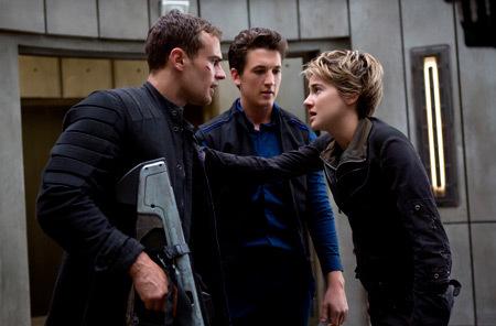Four, Tris and Peter inside Erudite building