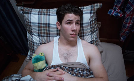 Nick Jonas as a fratboy with.. Kermie.