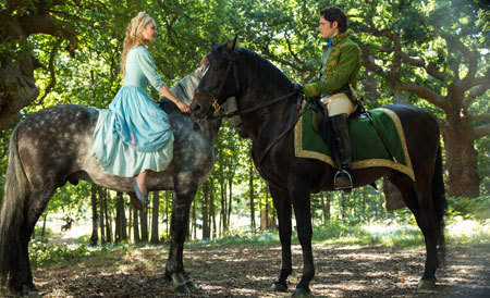 Cinderella and the prince meeting in the woods