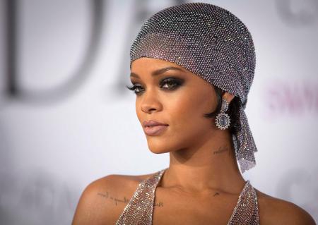 Rihanna shines bright like a diamond!