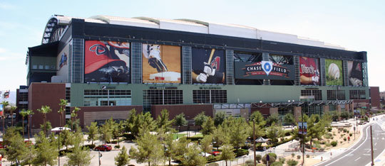 Feature chase field ouside feat