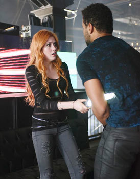 A startled Clary uses a Shadowhunter sword