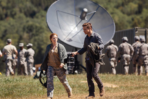 Louise and Ian on the way to the alien ship