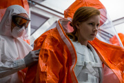 Amy Adams on Talking to Aliens in Arrival