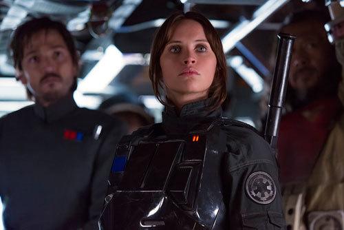 Jyn (Felicity) leading her secret mission