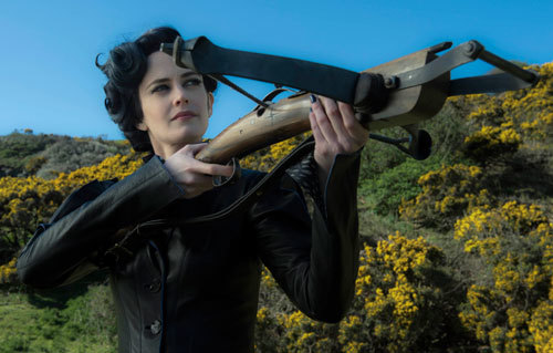 Miss Peregrine has to defend the home
