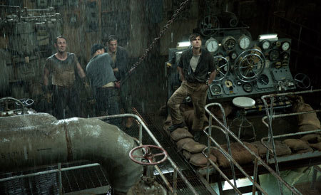 Ray (Casey Affleck) in the engine room of the sinking tanker